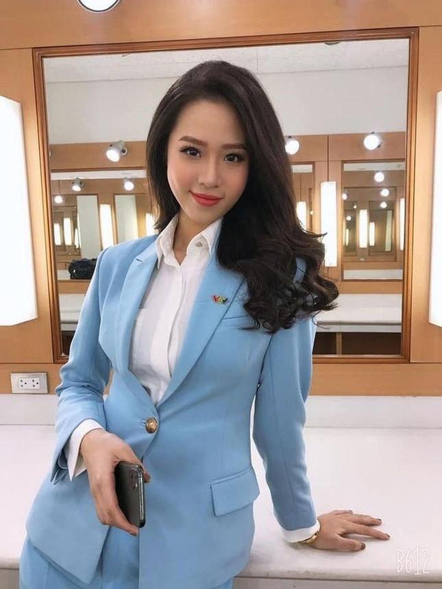 Sắc vóc nóng bỏng của hai nữ biên tập viên VTV từng dự thi Hoa hậu Việt Nam ảnh 12