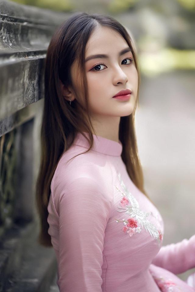 Những người đẹp có thành tích học tập 'khủng' của Hoa hậu Việt Nam giờ ra sao? ảnh 15