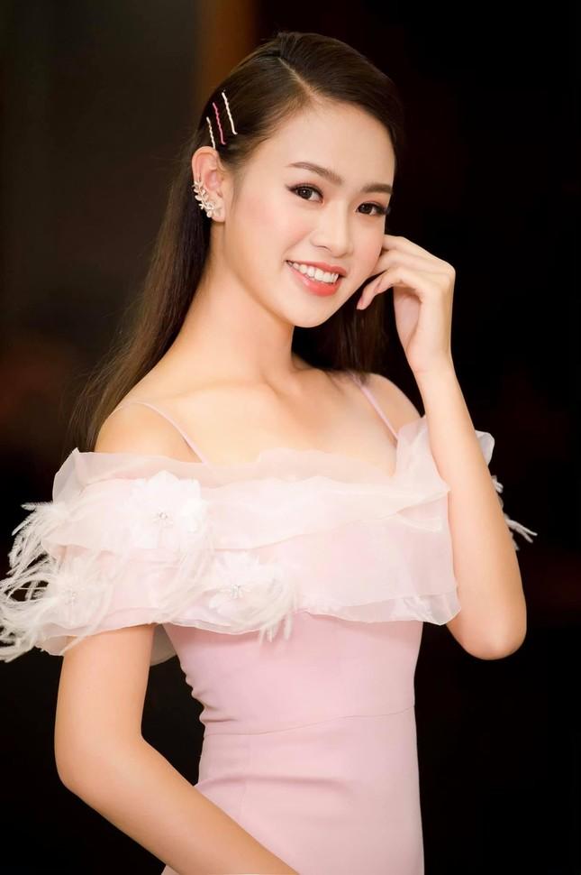 Những người đẹp có thành tích học tập 'khủng' của Hoa hậu Việt Nam giờ ra sao? ảnh 3