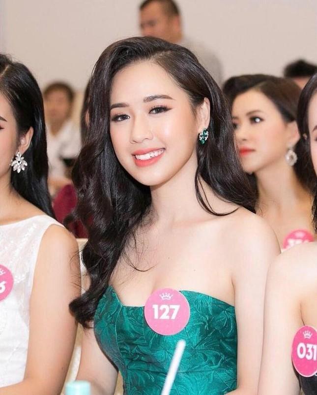 Những người đẹp có thành tích học tập 'khủng' của Hoa hậu Việt Nam giờ ra sao? ảnh 4