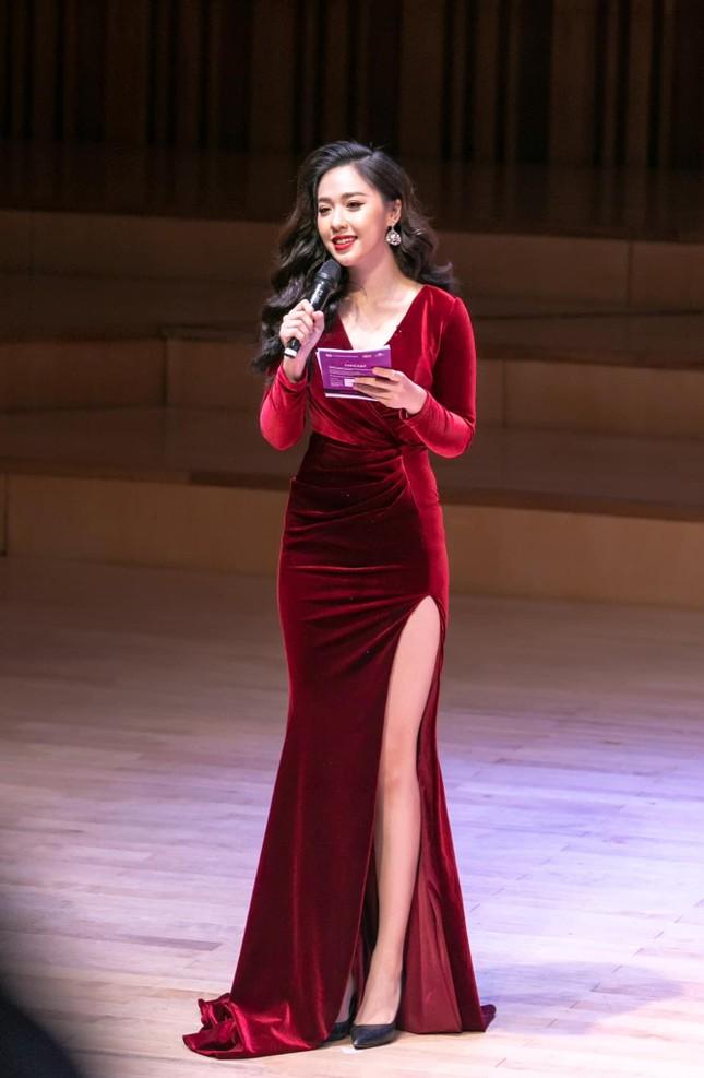 Sắc vóc nóng bỏng của hai nữ biên tập viên VTV từng dự thi Hoa hậu Việt Nam ảnh 6