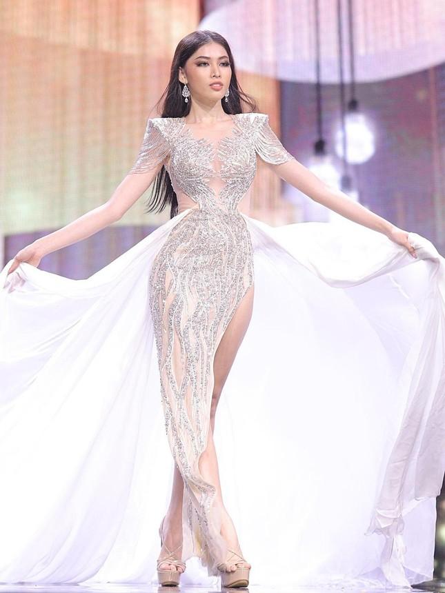 Hé lộ đoạn clip Ngọc Thảo lên ngôi Á hậu 1 trong buổi diễn tập chung kết Miss Grand ảnh 4