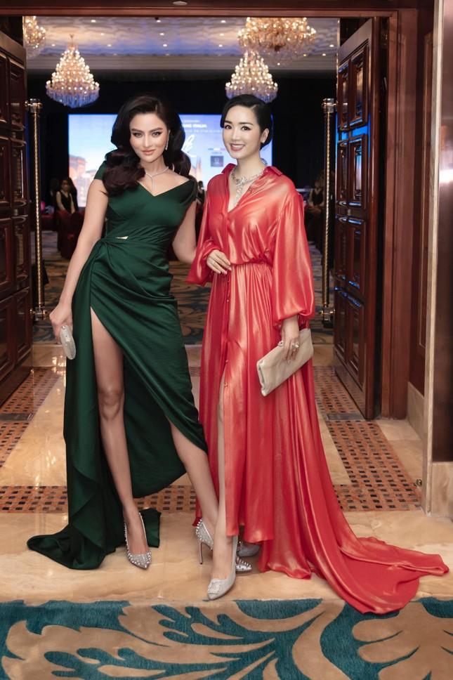 Á hậu Thuý An mặc váy cúp ngực sexy, 'Người đẹp làn da' Phương Quỳnh kiêu sa tựa 'nữ thần' ảnh 8