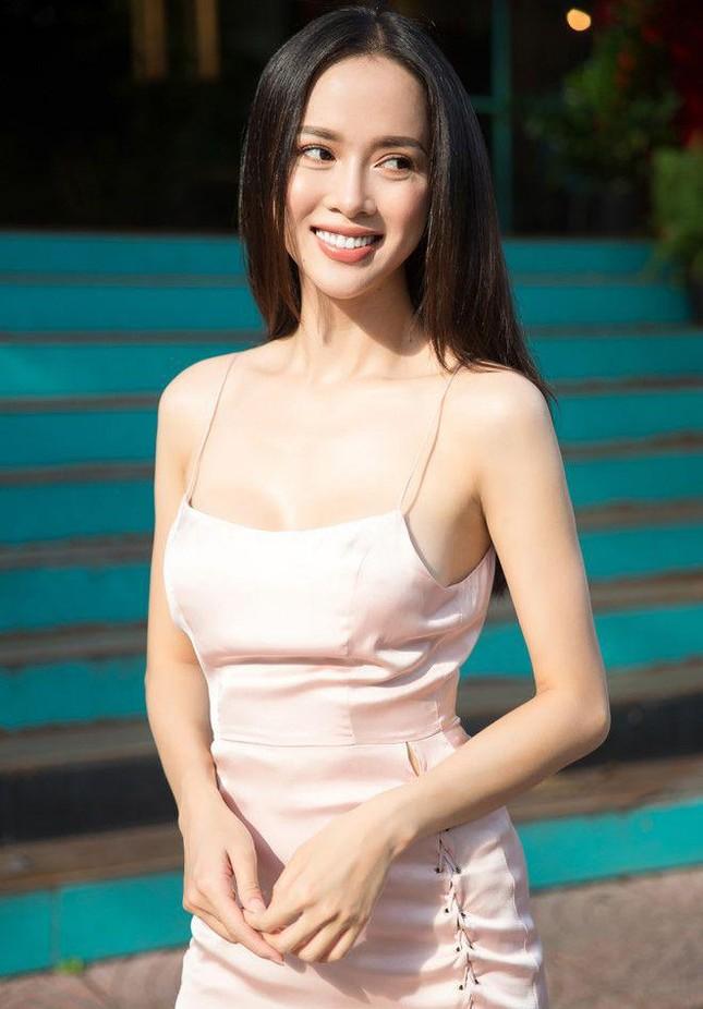 Vũ Ngọc Anh: Từ Người đẹp Áo dài HHVN 2012 đến mỹ nhân bốc lửa nhất showbiz ảnh 3