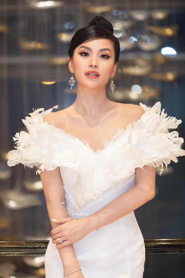 Á hậu Diễm Trang đẹp tựa 'thiên nga trắng', Á hậu Hoàng My mặc váy đỏ rực khoe chân sexy ảnh 5