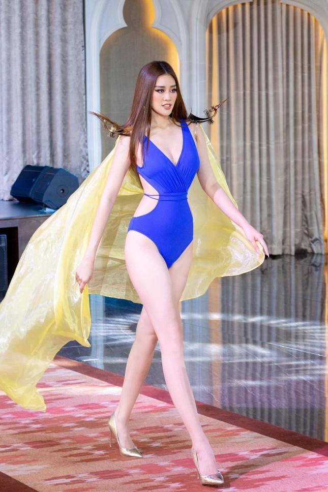 Dàn Hoa, Á hậu cùng diện bikini nóng bỏng chào hè ảnh 21