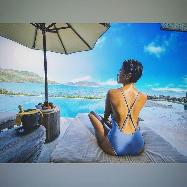 Dàn Hoa, Á hậu cùng diện bikini nóng bỏng chào hè ảnh 18