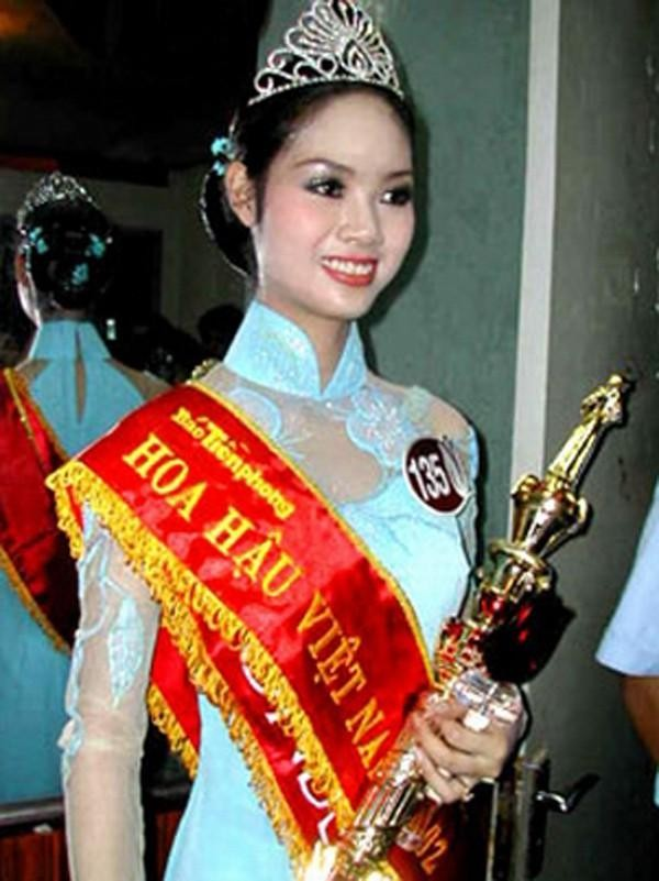 Top 3 HHVN 2002: Mai Phương làm rạng danh Việt Nam, Á hậu Hoàng Oanh 'khuynh đảo' showbiz ảnh 1