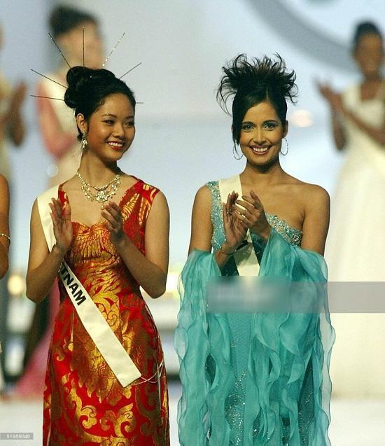 Top 3 HHVN 2002: Mai Phương làm rạng danh Việt Nam, Á hậu Hoàng Oanh 'khuynh đảo' showbiz ảnh 2