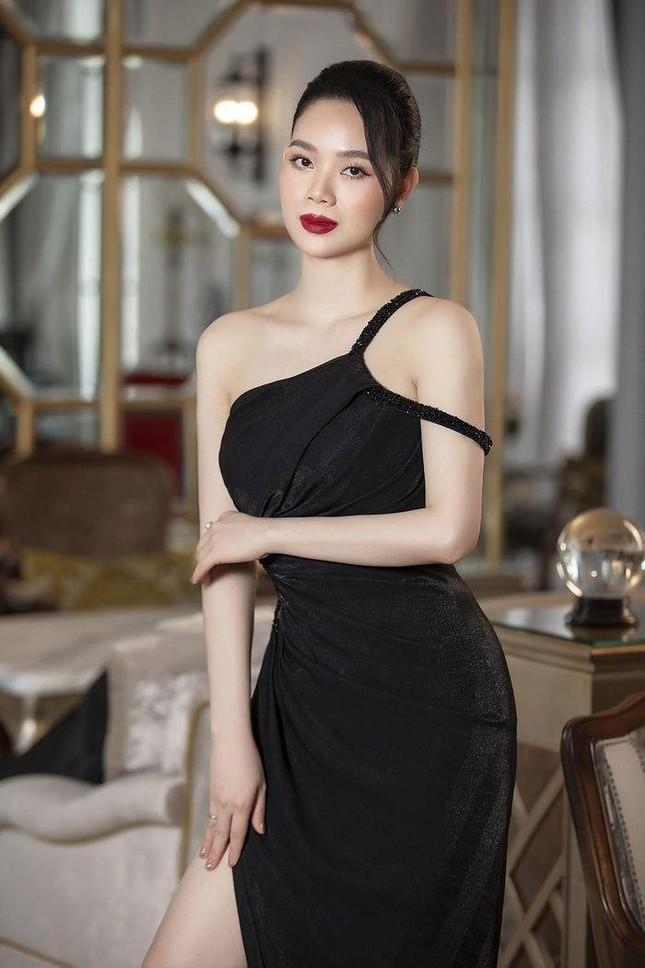 Top 3 HHVN 2002: Mai Phương làm rạng danh Việt Nam, Á hậu Hoàng Oanh 'khuynh đảo' showbiz ảnh 5