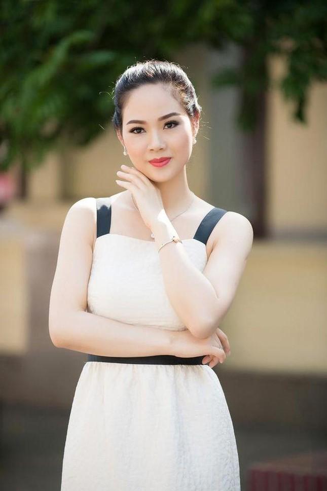 Top 3 HHVN 2002: Mai Phương làm rạng danh Việt Nam, Á hậu Hoàng Oanh 'khuynh đảo' showbiz ảnh 4