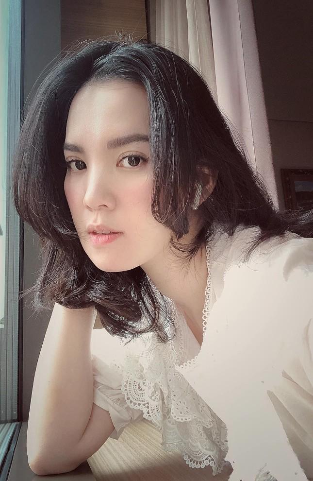 Á hậu Hoàng Oanh từng là đại diện hãng hàng không quốc gia Việt Nam giờ ra sao? ảnh 9