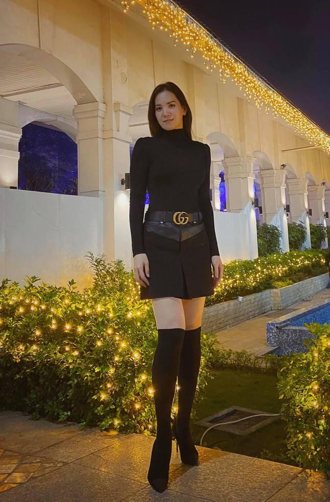 Á hậu Hoàng Oanh từng là đại diện hãng hàng không quốc gia Việt Nam giờ ra sao? ảnh 8