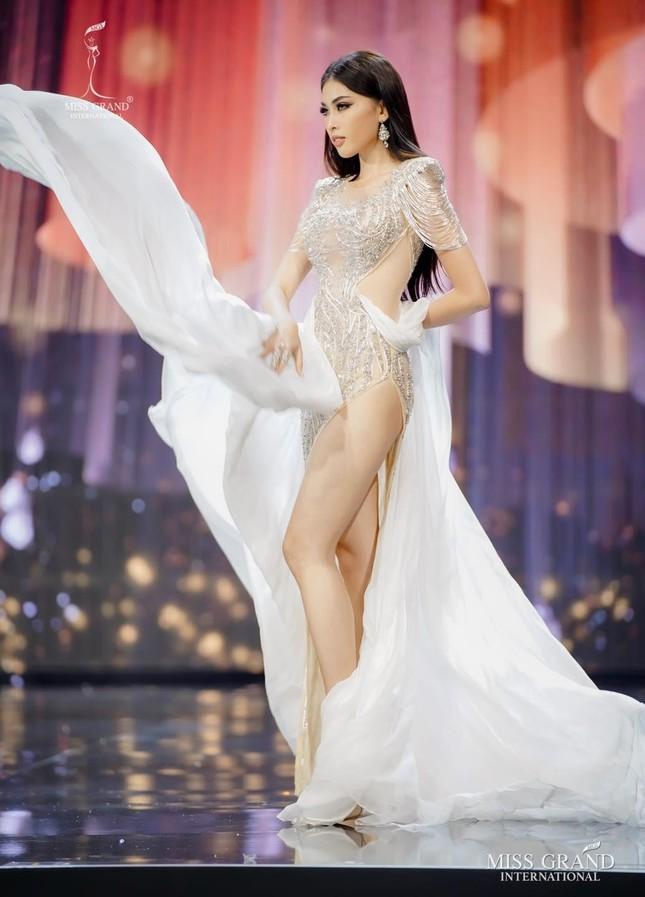 Sau Ngọc Thảo, fan đặt kỳ vọng vào dàn người đẹp thi quốc tế trong năm 2021 ảnh 5