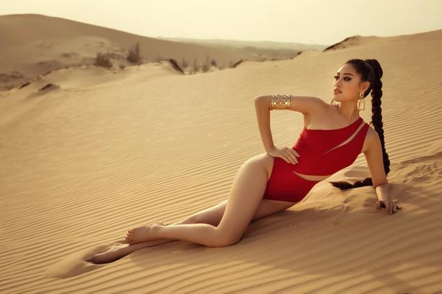 Khánh Vân khoe vòng ba 95cm nóng bỏng với áo tắm trước khi đi Mỹ thi Miss Universe ảnh 6