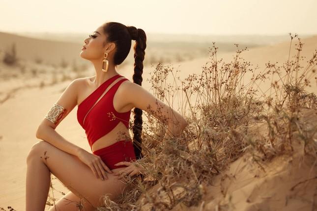 Khánh Vân khoe vòng ba 95cm nóng bỏng với áo tắm trước khi đi Mỹ thi Miss Universe ảnh 8