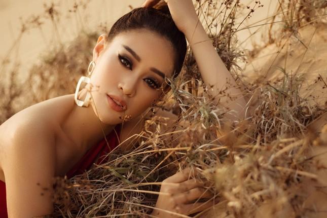 Khánh Vân khoe vòng ba 95cm nóng bỏng với áo tắm trước khi đi Mỹ thi Miss Universe ảnh 11