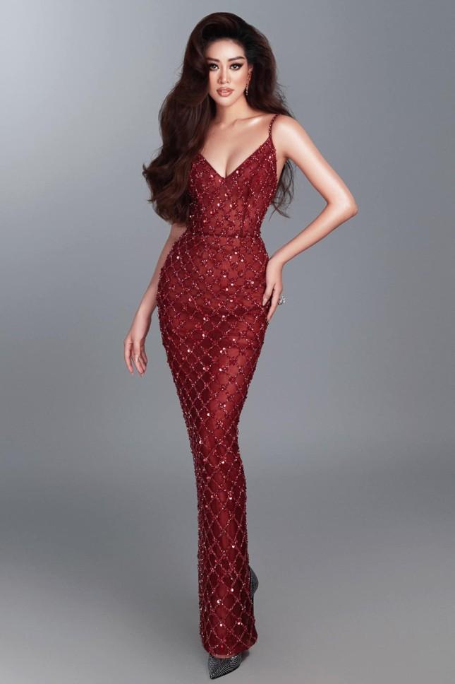 Mai Phương Thuý khoe eo 'con kiến' sexy, Khánh Vân diện váy xẻ khoe vòng một nóng bỏng ảnh 3
