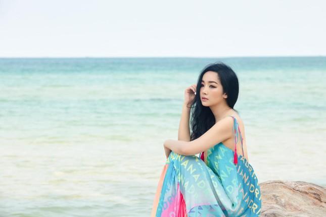 Đỗ Thị Hà khoe vai trần sexy, Hoa hậu Ngọc Khánh tái xuất với áo dài ảnh 6