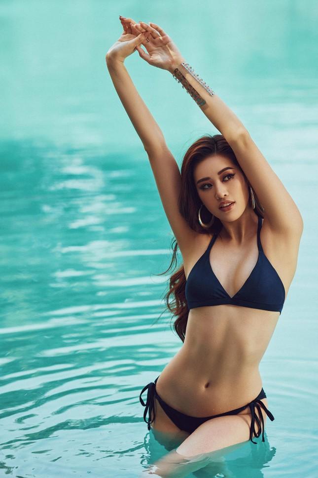 Vừa nhập cuộc Miss Universe, Khánh Vân tung bộ ảnh bikini sexy khiến các đối thủ dè chừng ảnh 6