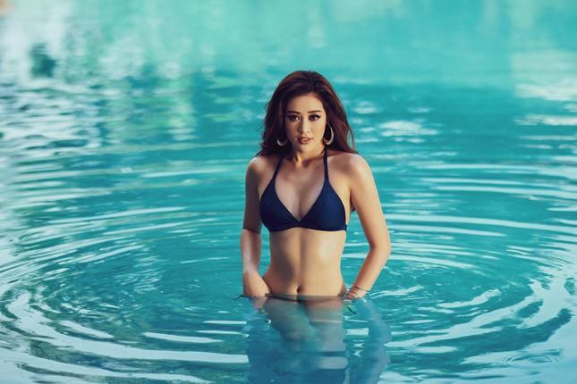 Vừa nhập cuộc Miss Universe, Khánh Vân tung bộ ảnh bikini sexy khiến các đối thủ dè chừng ảnh 8
