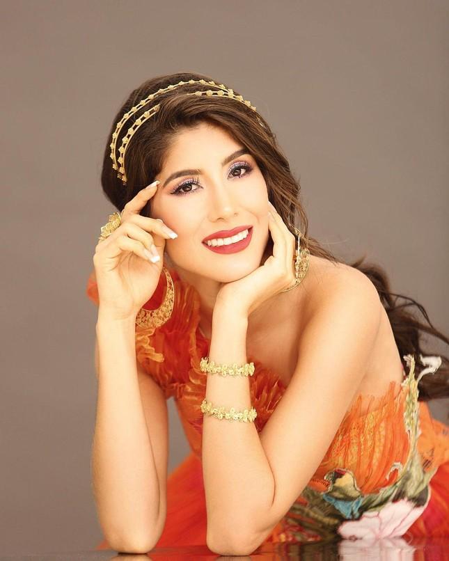 Người đẹp từng vướng nghi vấn mua giải mắc COVID-19 ngay trước khi dự thi Miss Universe ảnh 4