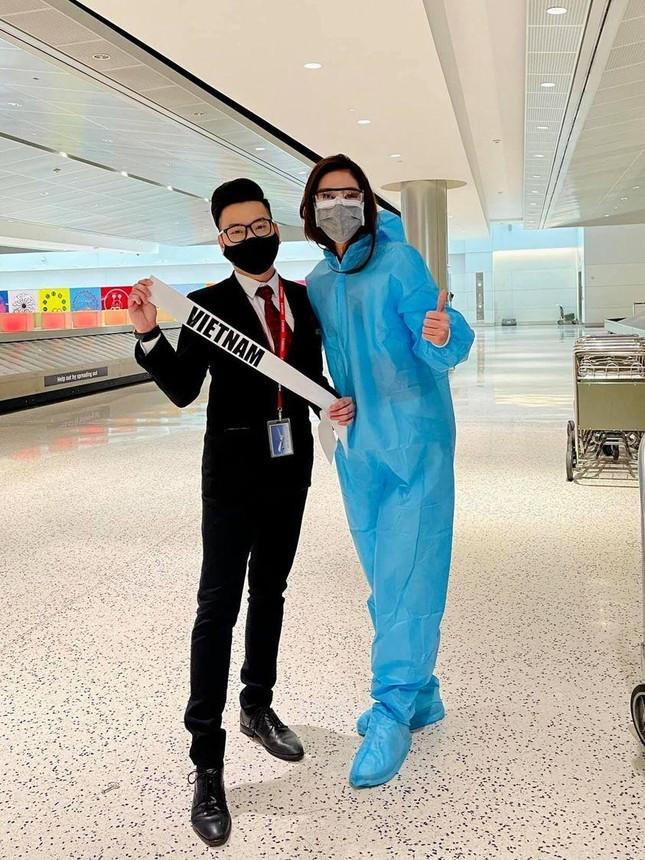 Vừa tới Mỹ, Khánh Vân thể hiện 'chiến thuật' váy áo thông minh làm fan trầm trồ khen ngợi ảnh 1