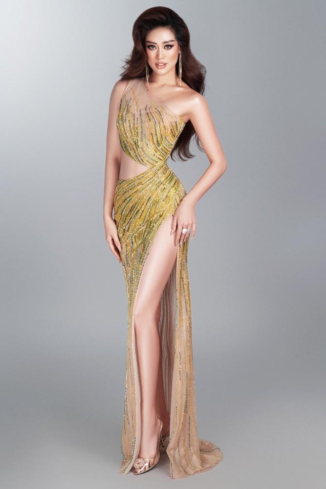 Mừng fanpage đạt 1 triệu follow, Khánh Vân tung loạt váy dạ hội cho bán kết Miss Universe ảnh 8
