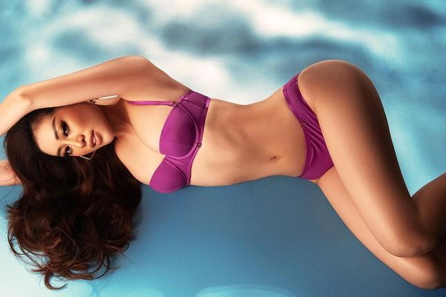 Bị 'ngó lơ' trên bảng xếp hạng của Globalbeauties, Khánh Vân tung bộ ảnh bikini nóng bỏng ảnh 5