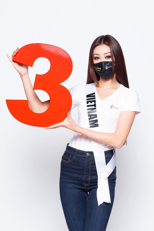 Khánh Vân được Á hậu Hoàn vũ thế giới 2017 dự đoán lọt top 10 Miss Universe ảnh 10