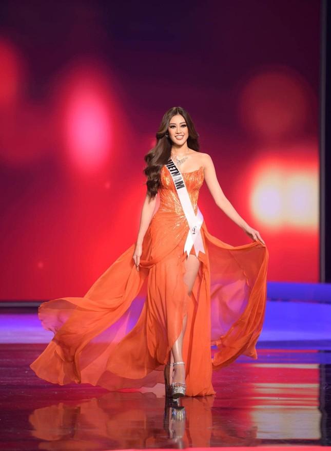 Xem trực tiếp Khánh Vân tranh tài tại đêm chung kết Miss Universe 2020 ảnh 5