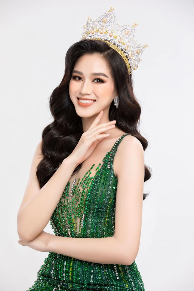 Đỗ Thị Hà tung bộ ảnh chuẩn thần thái beauty queen, sẵn sàng gia nhập đường đua Miss World ảnh 1