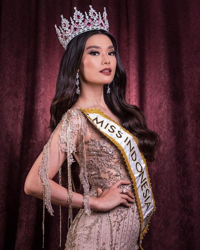 Nhan sắc các thí sinh cùng Hoa hậu Đỗ Thị Hà được dự đoán lọt top 10 Miss World 2021 ảnh 1