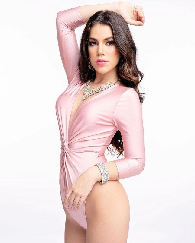 Nhan sắc các thí sinh cùng Hoa hậu Đỗ Thị Hà được dự đoán lọt top 10 Miss World 2021 ảnh 14