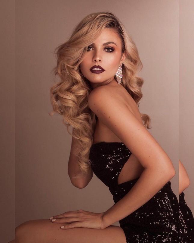 Mỹ nhân nóng bỏng sở hữu chiều cao 'khủng' 1m80 lên ngôi Hoa hậu Siêu quốc gia Venezuela ảnh 3