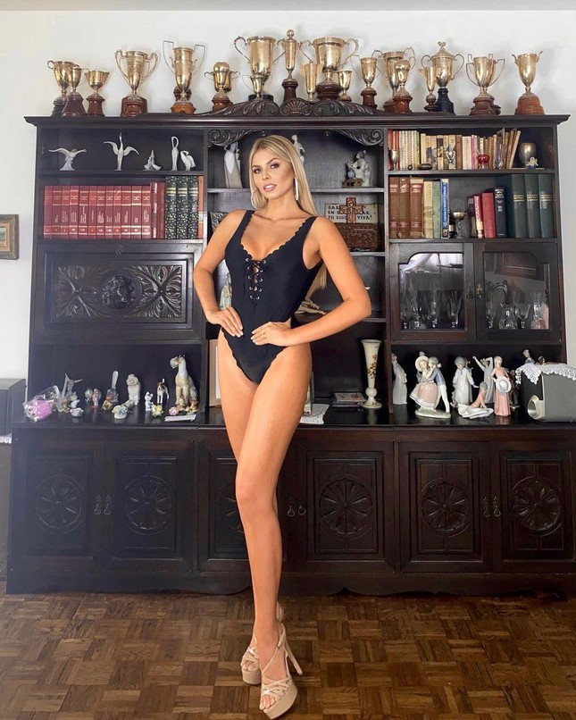 Mỹ nhân nóng bỏng sở hữu chiều cao 'khủng' 1m80 lên ngôi Hoa hậu Siêu quốc gia Venezuela ảnh 4