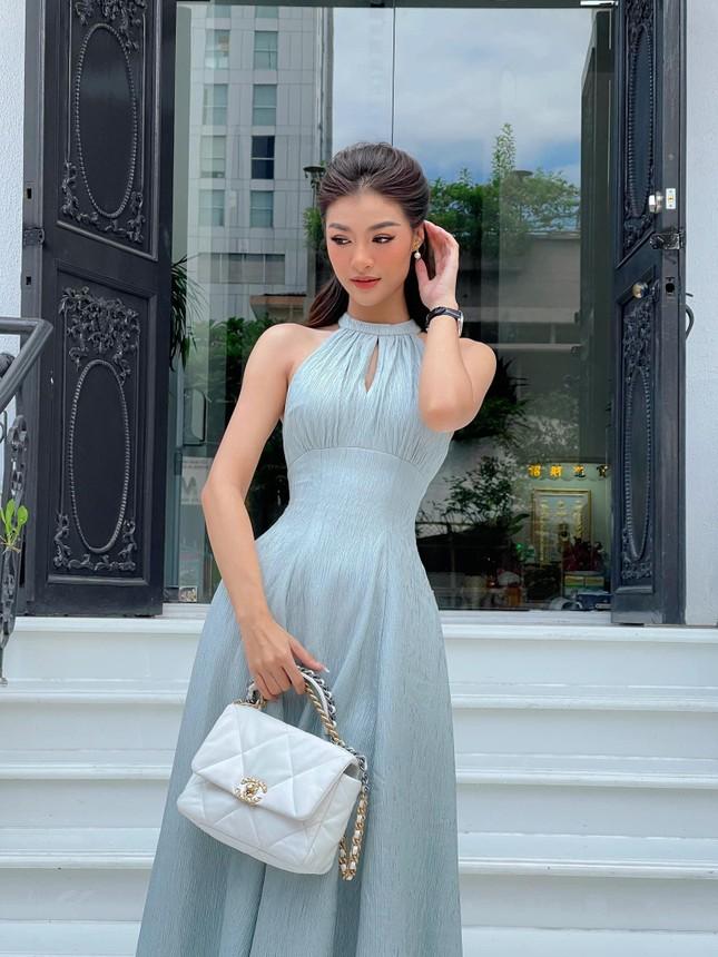 Chụp ảnh thời trang ở tuổi 45, Hoa hậu Ngọc Khánh tự tin diện váy xẻ vòng một táo bạo ảnh 8