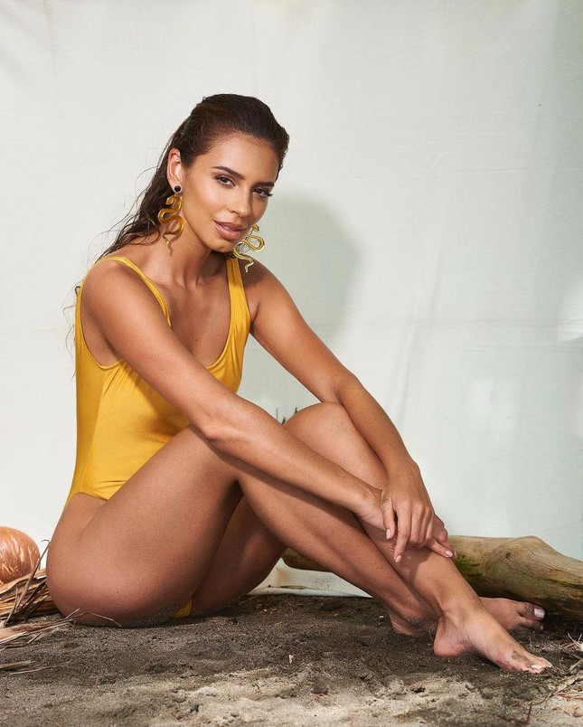 Ngắm body nóng 'bỏng mắt' của mỹ nhân 26 tuổi vừa lên ngôi Hoa hậu Hoà bình Costa Rica ảnh 10