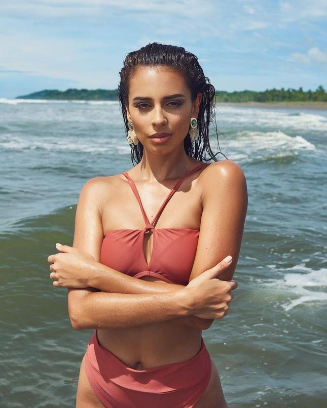 Ngắm body nóng 'bỏng mắt' của mỹ nhân 26 tuổi vừa lên ngôi Hoa hậu Hoà bình Costa Rica ảnh 9