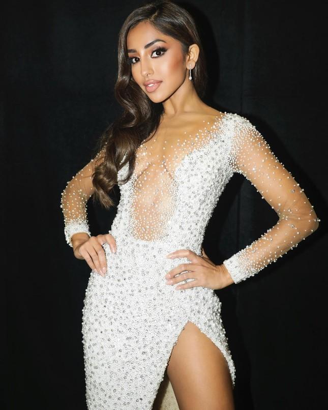 Maria Thattil - cô nàng 'nấm lùn' làm nên kỳ tích lọt top 10 Miss Universe 2021 ảnh 11