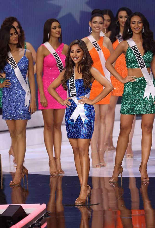 Maria Thattil - cô nàng 'nấm lùn' làm nên kỳ tích lọt top 10 Miss Universe 2021 ảnh 6