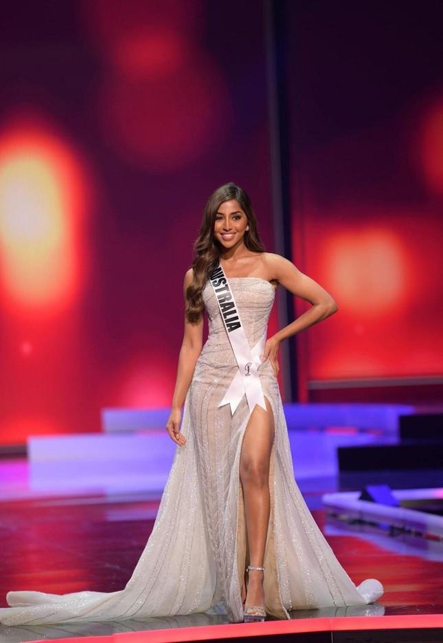 Maria Thattil - cô nàng 'nấm lùn' làm nên kỳ tích lọt top 10 Miss Universe 2021 ảnh 9