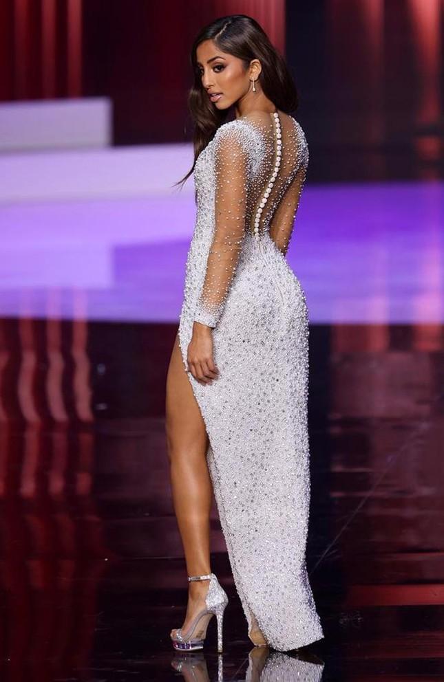 Maria Thattil - cô nàng 'nấm lùn' làm nên kỳ tích lọt top 10 Miss Universe 2021 ảnh 10