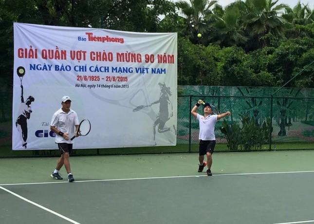 Sôi nổi giải quần vợt báo Tiền Phong chào mừng Ngày Báo chí cách mạng ảnh 7