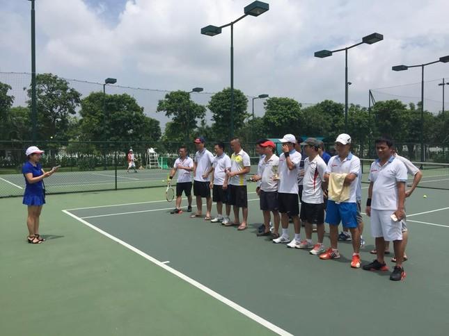 Sôi nổi giải quần vợt báo Tiền Phong chào mừng Ngày Báo chí cách mạng ảnh 1