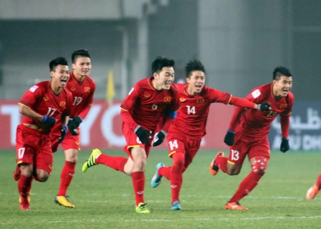 Vietnam Airlines đưa người nhà cầu thủ đi xem trận chung kết ảnh 1