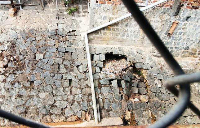 Hãi hùng những hàm ếch sâu hoắm đe dọa nhiều ngôi nhà ở Đà Lạt ảnh 2