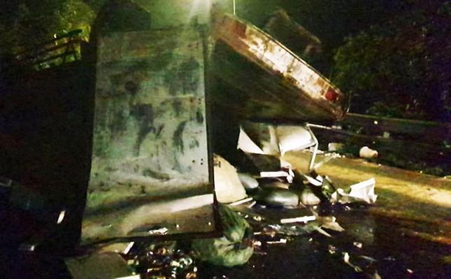 Hai nữ sinh viên bị xe tải tông tử vong trên đèo Bảo Lộc ảnh 1