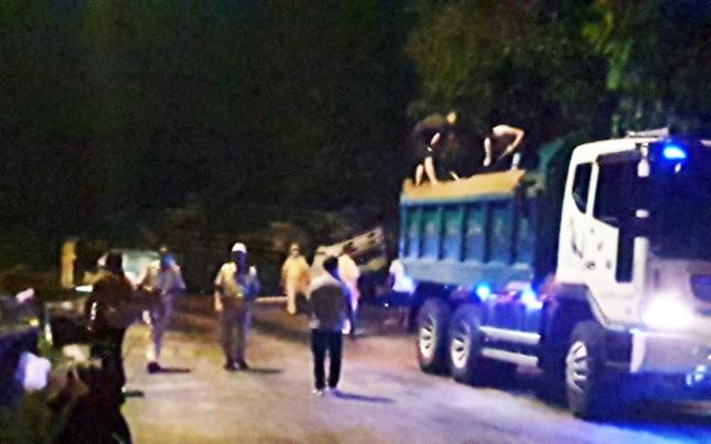 Hai nữ sinh viên bị xe tải tông tử vong trên đèo Bảo Lộc ảnh 3