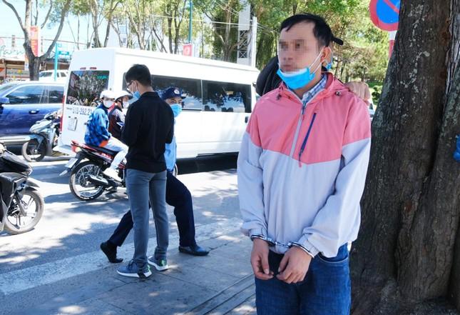 Hai ngày, trộm 12 điện thoại của du khách ở chợ đêm Đà Lạt ảnh 2